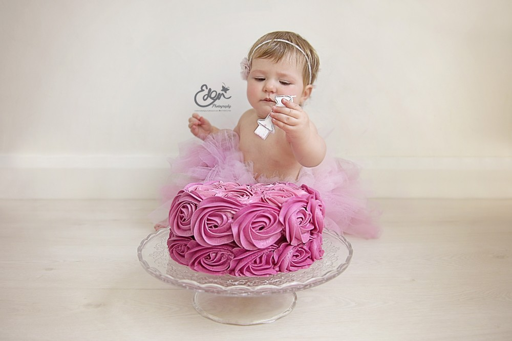 Cake smash photography liverpool